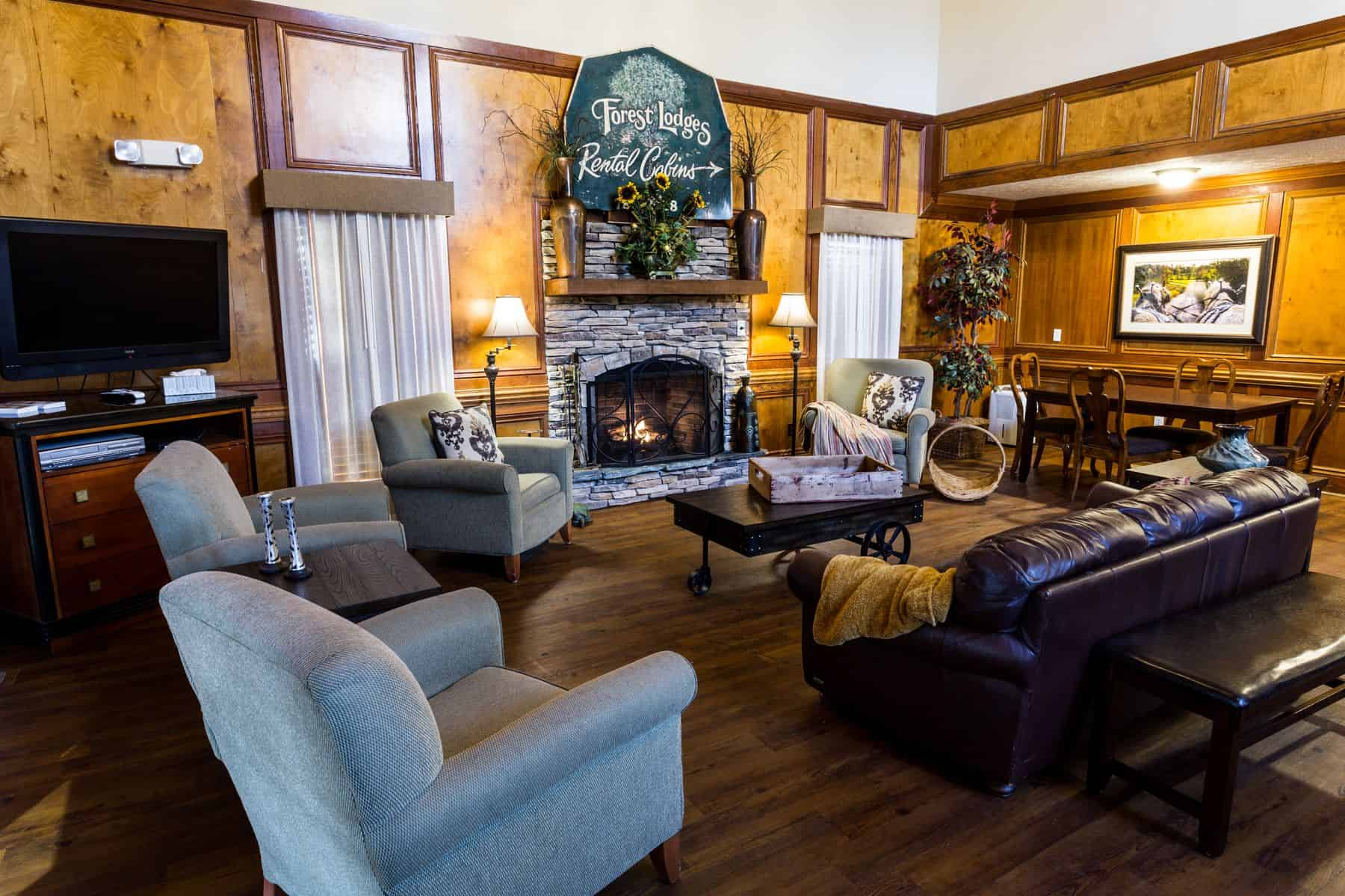 hotel rooms & suites - north georgia at forrest hills resort in